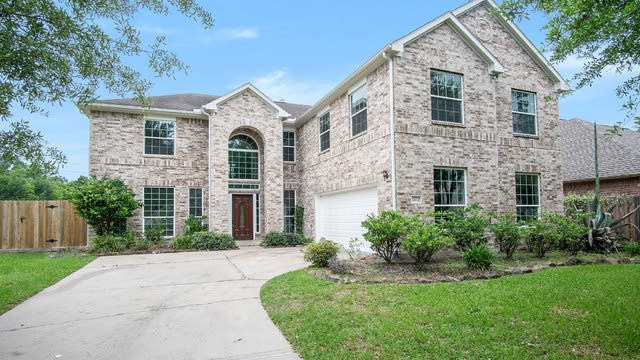 Photo 1 of 17 - 13319 Lakewood Meadow Dr, Cypress, TX 77429