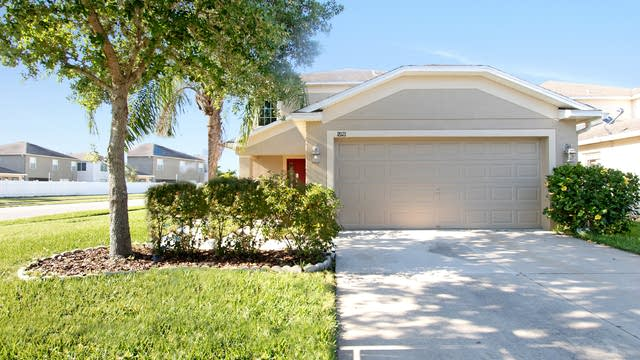 Photo 1 of 15 - 18121 Glastonbury Ln, Land O Lakes, FL 34638