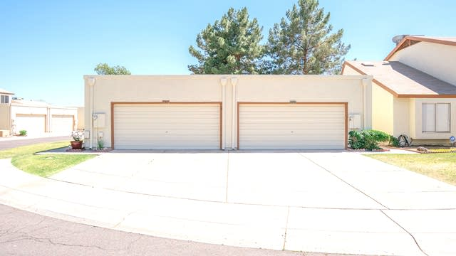 Photo 1 of 18 - 2513 W Willow Ave, Phoenix, AZ 85029
