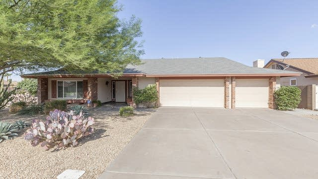 Photo 1 of 26 - 6703 S Lakeshore Dr, Tempe, AZ 85283