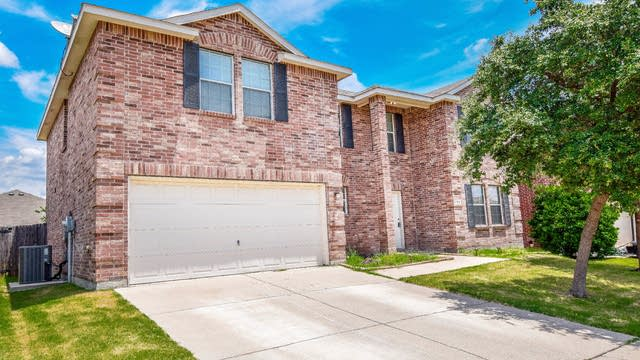 Photo 1 of 30 - 789 Keel Line Dr, Crowley, TX 76036