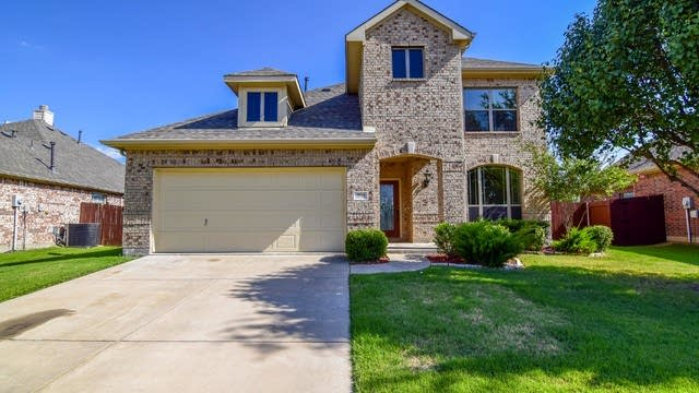 Photo 1 of 36 - 2732 Pine Trail Dr, Little Elm, TX 75068