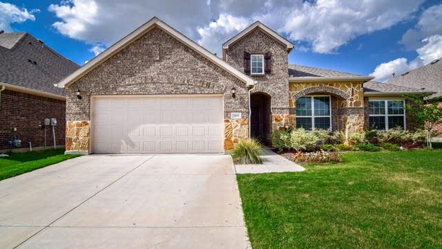 Photo 1 of 37 - 2105 Red Brangus Trl, Fort Worth, TX 76131