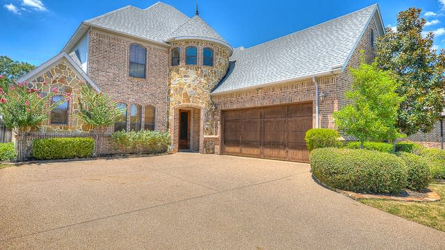 Photo 1 of 47 - 3006 Queen Ann Ct, Arlington, TX 76001
