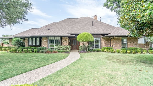 Photo 1 of 36 - 2906 Faulkner Dr, Rowlett, TX 75088