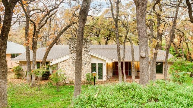 Photo 1 of 25 - 2229 Shadywood Ct, Arlington, TX 76012