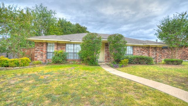 Photo 1 of 18 - 828 Baxter Dr, Plano, TX 75025