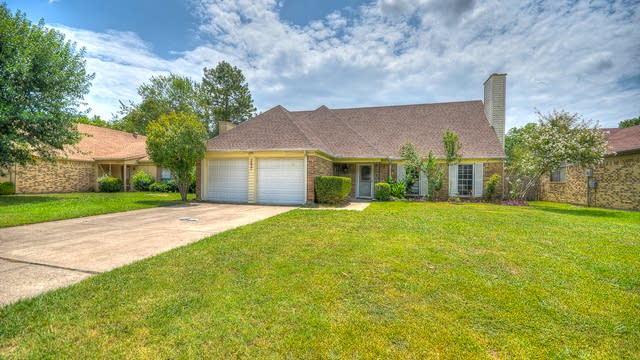 Photo 1 of 26 - 2657 Channing Dr, Grand Prairie, TX 75052