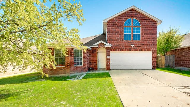 Photo 1 of 27 - 8954 Rushing River Dr, Fort Worth, TX 76118