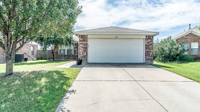 Photo 1 of 25 - 1123 Cumberland Dr, Forney, TX 75126