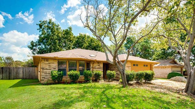 Photo 1 of 27 - 1226 Brookfield Ln, Mansfield, TX 76063