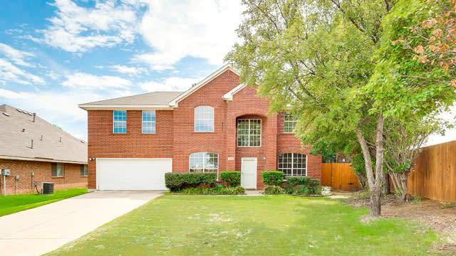 Photo 1 of 25 - 3500 Yale Dr, Denton, TX 76210
