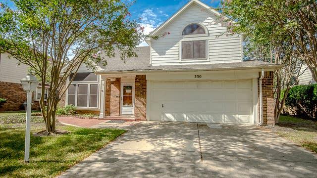 Photo 1 of 29 - 330 Hopewell St, Grand Prairie, TX 75052