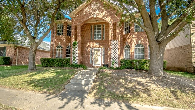 Photo 1 of 28 - 1628 Chapman St, Cedar Hill, TX 75104