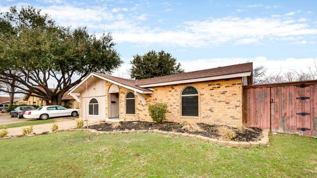 Photo 1 of 28 - 2109 Deerfield Dr, Carrollton, TX 75007