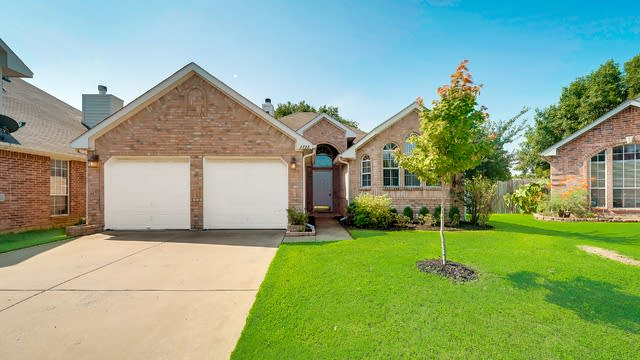 Photo 1 of 26 - 4728 Great Divide Dr, Fort Worth, TX 76137