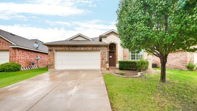 Photo 1 of 26 - 205 Bayfield Dr, Mansfield, TX 76063