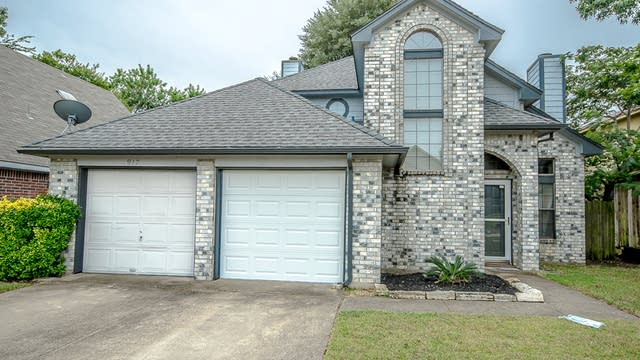Photo 1 of 31 - 917 Ragland Dr, Cedar Hill, TX 75104