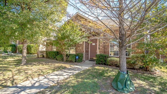 Photo 1 of 31 - 417 Stonebridge Cir, Allen, TX 75013