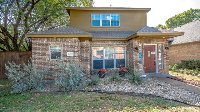 Photo 1 of 28 - 2400 Pecan Grove Ct, Irving, TX 75060