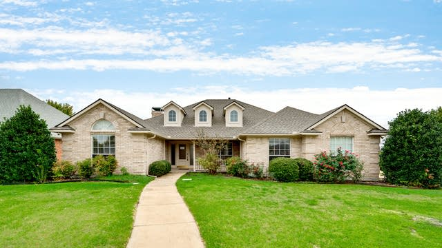 Photo 1 of 28 - 518 Shannon Dr, Rockwall, TX 75087