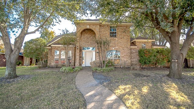 Photo 1 of 35 - 206 Martin Dr, Wylie, TX 75098