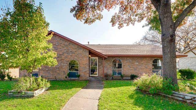 Photo 1 of 31 - 606 W Ridge Dr, Duncanville, TX 75116