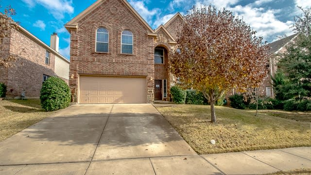 Photo 1 of 42 - 3833 Drexmore Rd, Fort Worth, TX 76244
