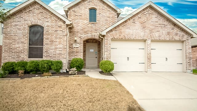 Photo 1 of 23 - 2123 Rains County Rd, Forney, TX 75126