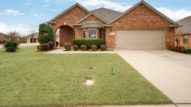 Photo 1 of 26 - 10601 Melrose Ln, Fort Worth, TX 76244