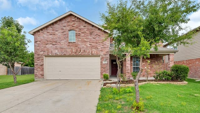 Photo 1 of 27 - 5812 Red Drum Dr, Fort Worth, TX 76179