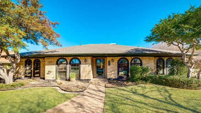Photo 1 of 31 - 2905 Knollwood Dr, Plano, TX 75075
