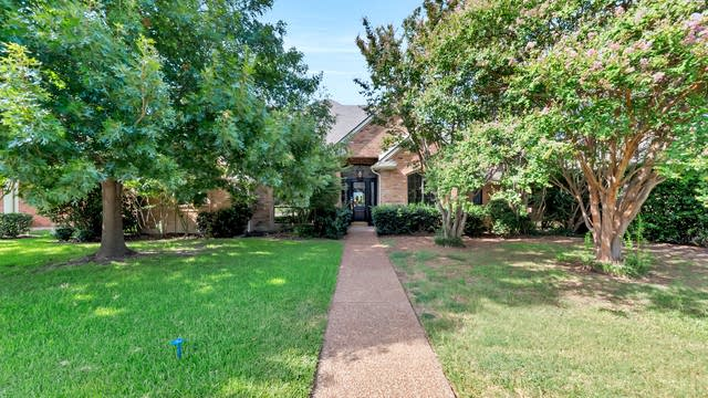 Photo 1 of 31 - 5805 Steeplechase Dr, Plano, TX 75093