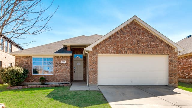 Photo 1 of 24 - 305 Mystic River Trl, Fort Worth, TX 76131