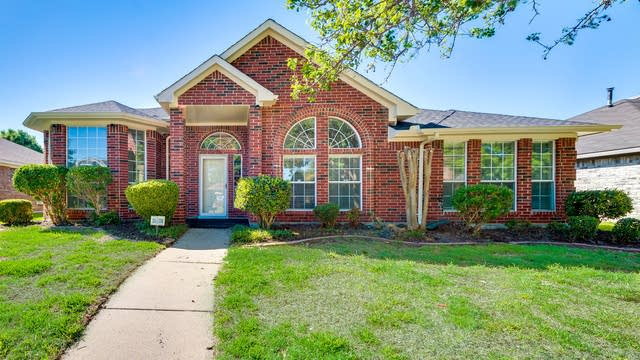 Photo 1 of 28 - 1617 Springwood Dr, Mesquite, TX 75181