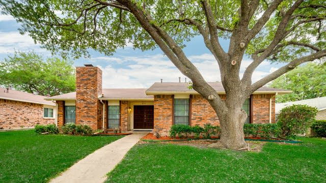 Photo 1 of 27 - 8510 Londonderry Ln, Dallas, TX 75228