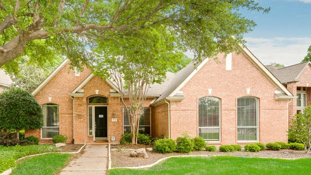 Photo 1 of 27 - 212 Hollywood Dr, Coppell, TX 75019