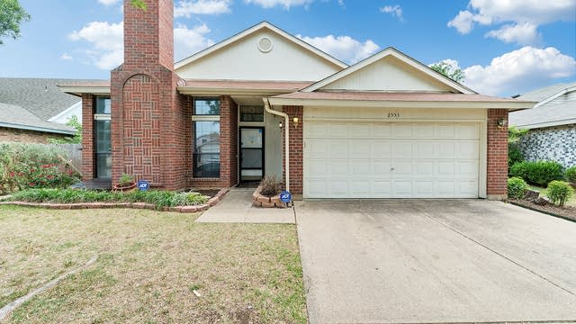 Photo 1 of 29 - 2553 Forest Creek Dr, Fort Worth, TX 76123