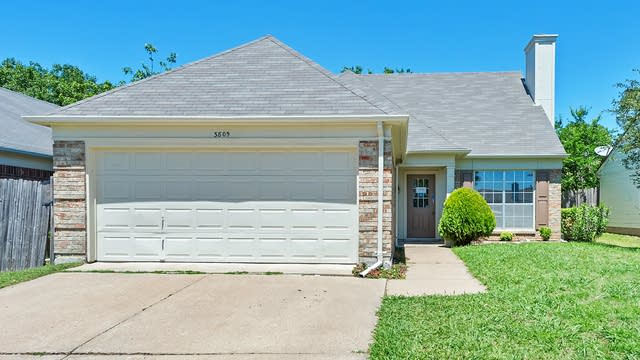 Photo 1 of 23 - 3805 Waxwing Cir S, Fort Worth, TX 76137
