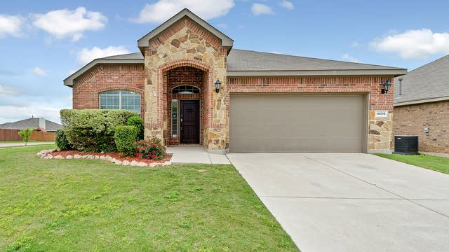 Photo 1 of 31 - 14016 Wrangler Way, Haslet, TX 76052