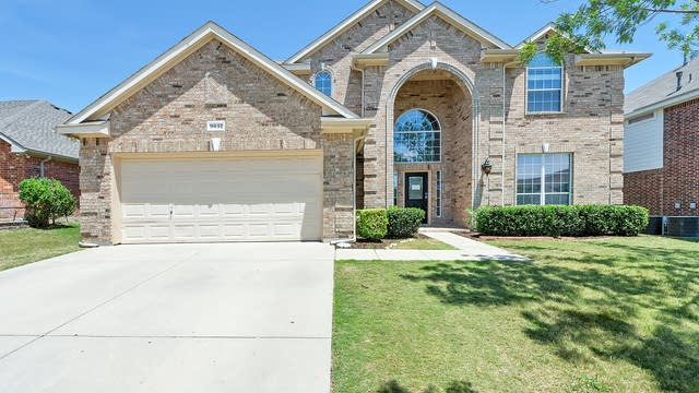 Photo 1 of 32 - 9032 Tate Ave, Fort Worth, TX 76244