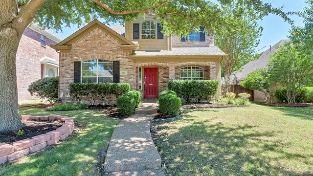 Photo 1 of 30 - 510 Truax Dr, Irving, TX 75063