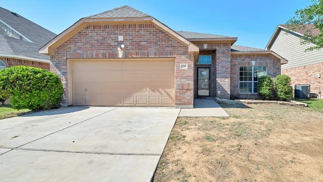 Photo 1 of 25 - 2120 Deniro Dr, Fort Worth, TX 76134