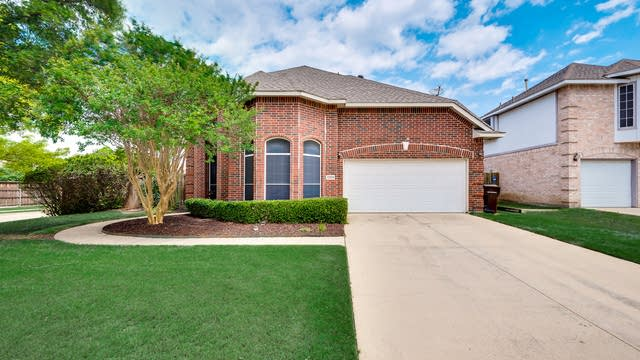 Photo 1 of 34 - 2329 Sky Harbor Dr, Plano, TX 75025