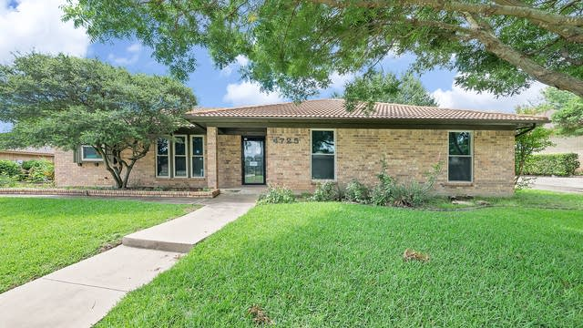 Photo 1 of 32 - 4725 Cinnamon Hill Dr, Fort Worth, TX 76133