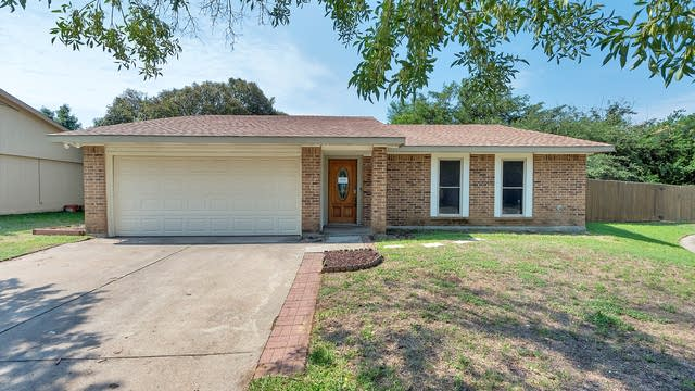 Photo 1 of 19 - 1208 Tranquilla Ter, Bedford, TX 76021