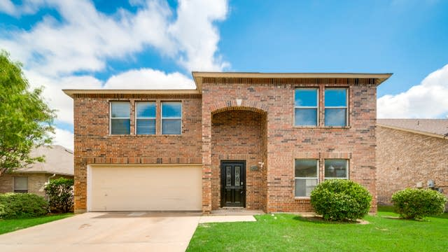 Photo 1 of 25 - 4209 Birch Creek Rd, Fort Worth, TX 76244