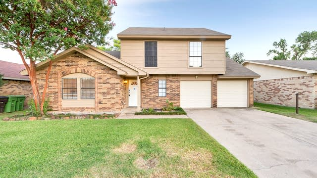 Photo 1 of 22 - 4132 Huckleberry Dr, Fort Worth, TX 76137