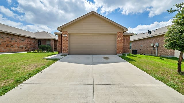 Photo 1 of 24 - 9032 Sun Haven Way, Fort Worth, TX 76244