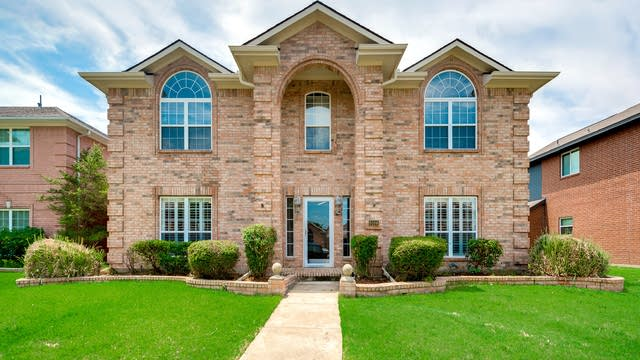 Photo 1 of 31 - 9106 Barton Creek Dr, Rowlett, TX 75089